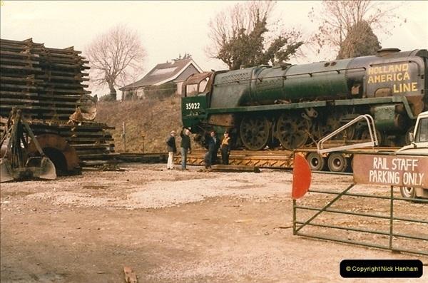 1986-03-12 35022 Holland America Line arrives at the SR.  (23)0371