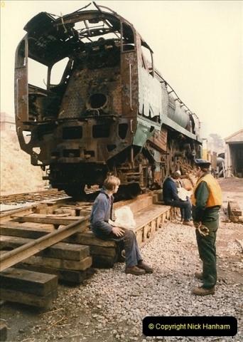 1986-03-12 35022 Holland America Line arrives at the SR.  (24)0372