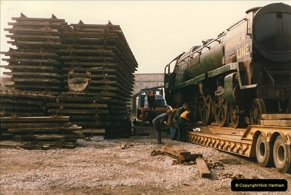 1986-03-12 35022 Holland America Line arrives at the SR.  (28)0376
