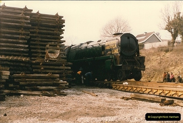 1986-03-12 35022 Holland America Line arrives at the SR.  (29)0377