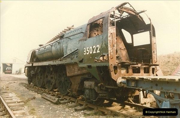 1986-03-12 35022 Holland America Line arrives at the SR.  (33)0381