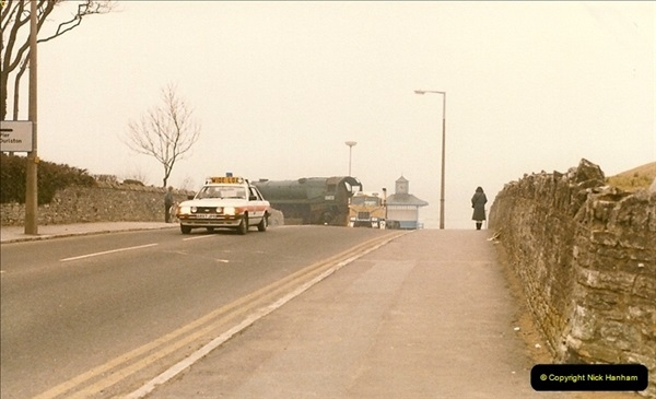1986-03-12 35022 Holland America Line arrives at the SR.  (4)0352