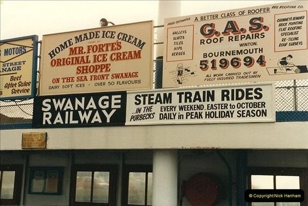 1987-05-05 SR advert on the Sandbanks to Studland chain ferry.0473