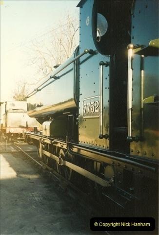 1989-04-08 Your Host acting as steam raiser on 7752.  (1)0622