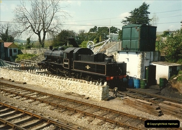 1989-04-28 Ivatt 46443 arrive at Swanage for the Summer Season.  (13)0637