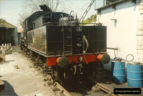 1989-04-28 Ivatt 46443 arrive at Swanage for the Summer Season.  (2)0626