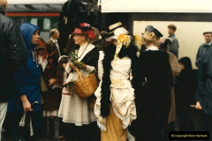 1985-05-27 1885 to 1985 celebrations on the SR. Your Host firing 21.  (13)0299