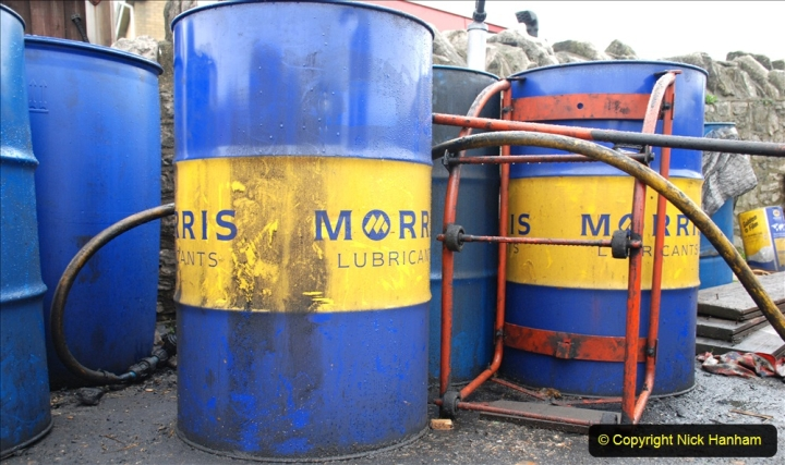 2019-10-31 Last day of October on the SR. (118) Oil for locomotives.118