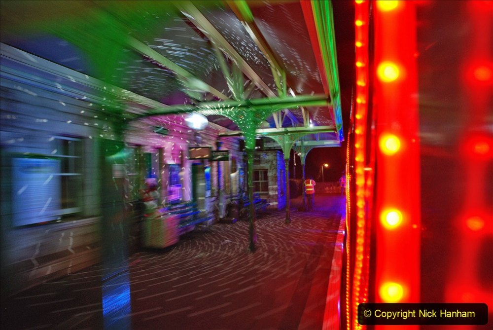 2020-12-04 Volunteer & Staff test train for Steam & Lights. (18) Corfe Castle.  018