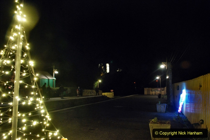 2020-12-12 SR Steam & Lights trackside. (34) Corfe Castle. 084