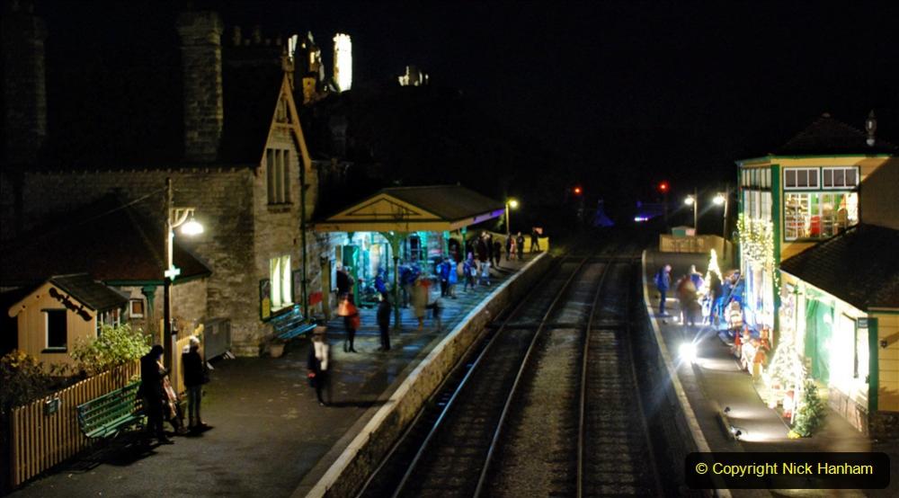 2020-12-12 SR Steam & Lights trackside. (38) Corfe Castle. 088