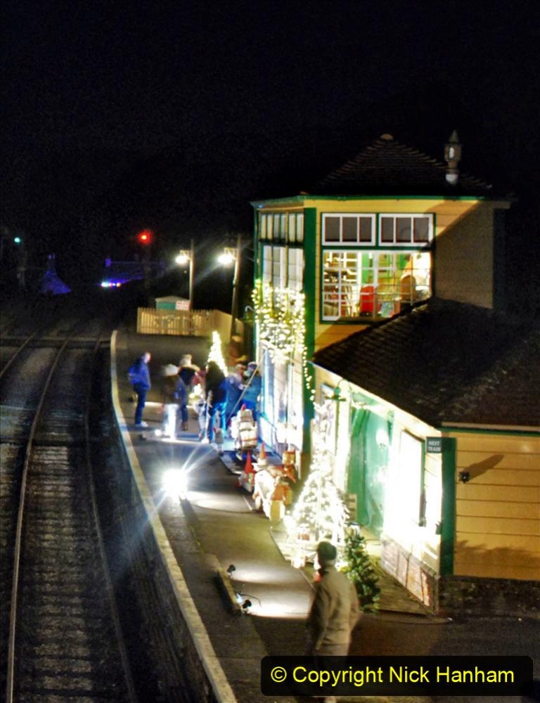 2020-12-12 SR Steam & Lights trackside. (40) Corfe Castle. 090