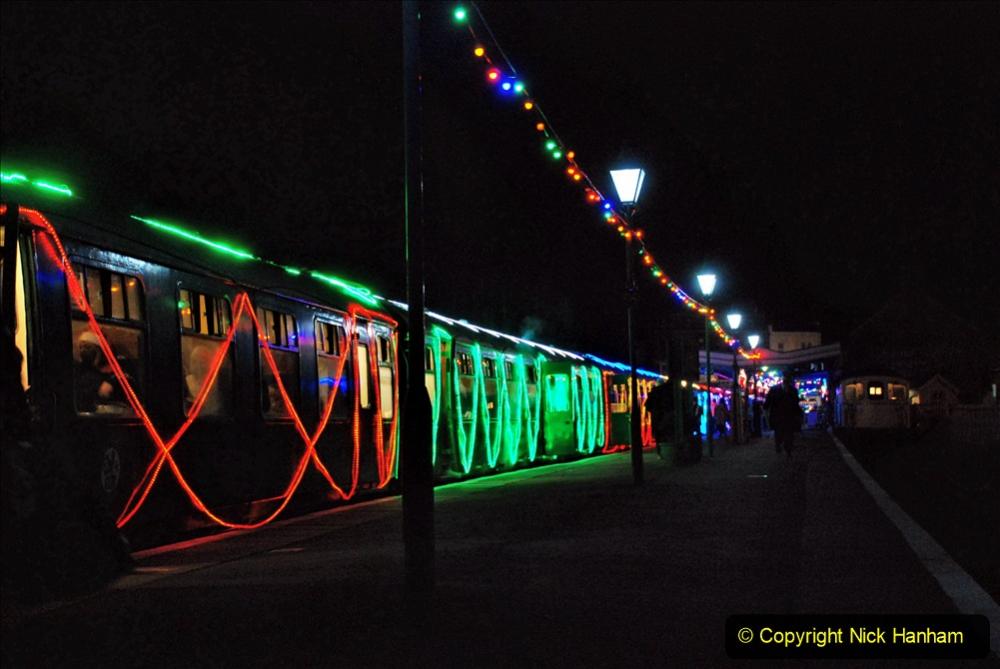 2020-12-12 SR Steam & Lights trackside. (74) Swanage. 124