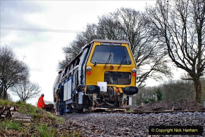 2020-02-06 Track renewal work & Tamper. (127) 127