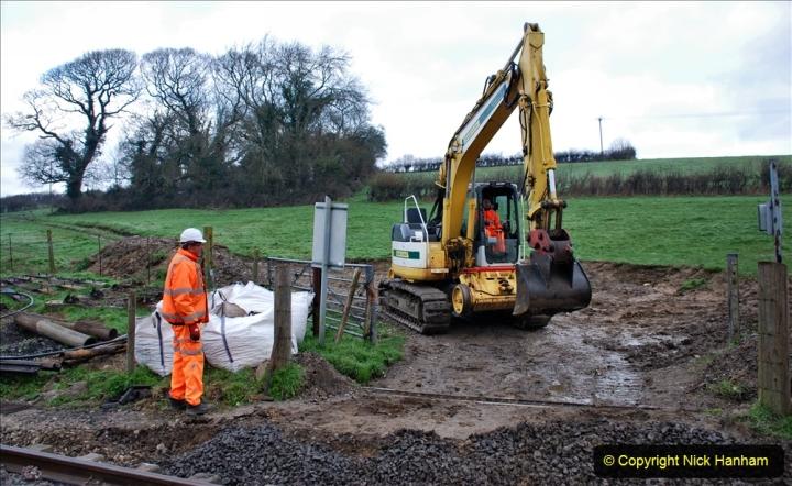 2020-02-06 Track renewal work & Tamper. (25) 025