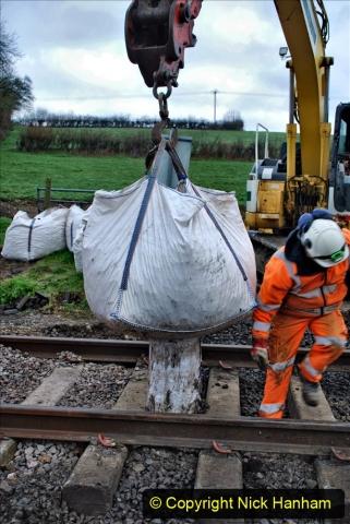 2020-02-06 Track renewal work & Tamper. (32) 032