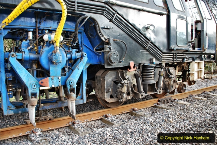 2020-02-06 Track renewal work & Tamper. (58) 058