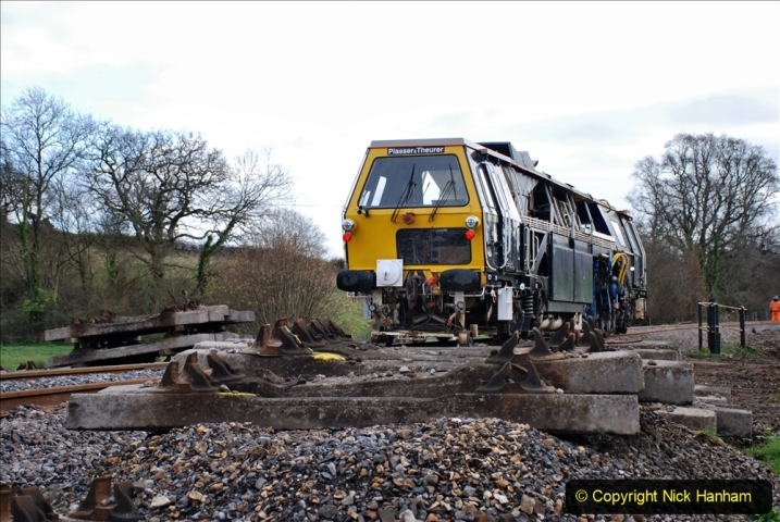 2020-02-06 Track renewal work & Tamper. (69) 069