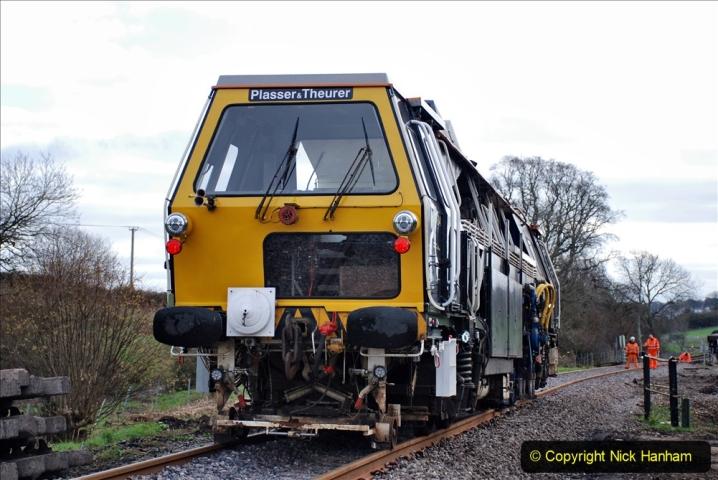 2020-02-06 Track renewal work & Tamper. (70) 070