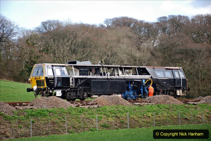 2020-02-06 Track renewal work & Tamper. (75) 075
