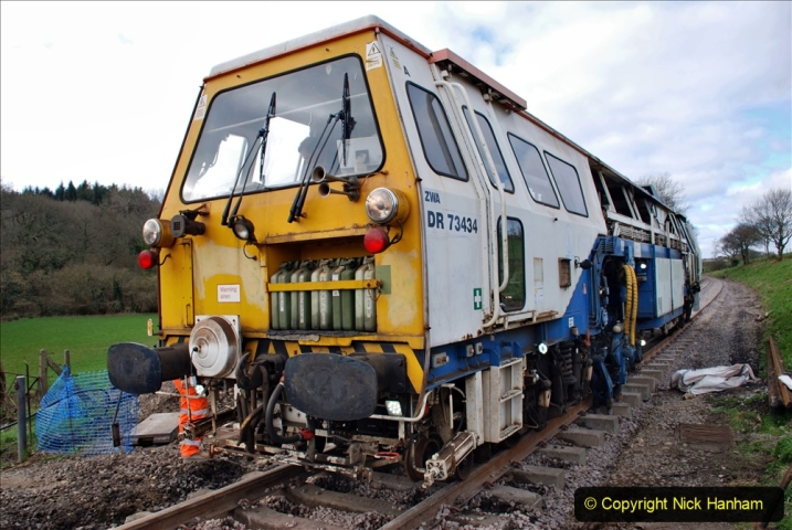 2020-02-06 Track renewal work & Tamper. (86) 086