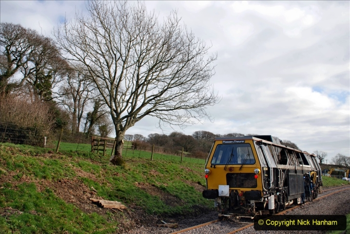 2020-02-06 Track renewal work & Tamper. (98) 098