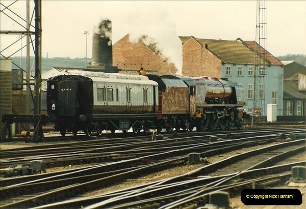 1983-03-26 Leeds, West Yorkshire.  (8)021