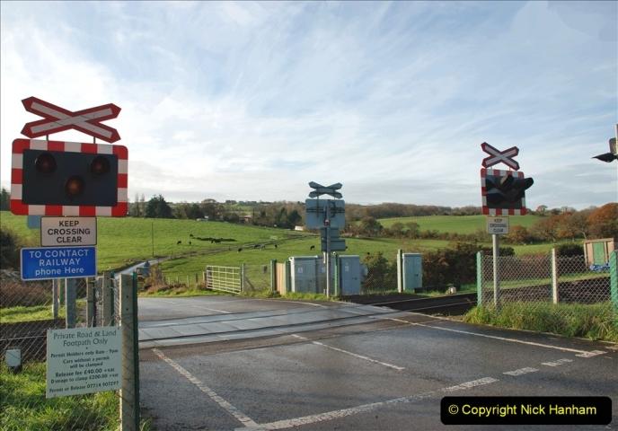 2019-11-28 The SR no running day Swanage to Wareham. (117) Quarr Farm Crossing. 117