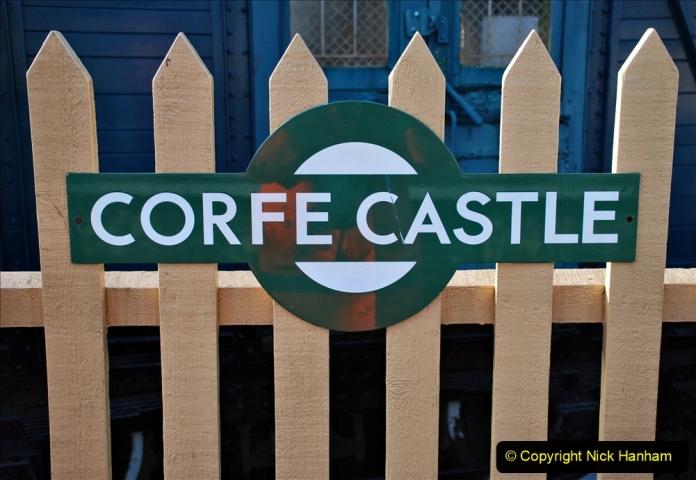 2019-11-28 The SR no running day Swanage to Wareham. (153) Harmans Cross. Corfe Castle. 154
