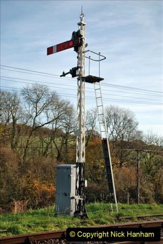 2019-11-28 The SR no running day Swanage to Wareham. (161) Harmans Cross. Corfe Castle. 162