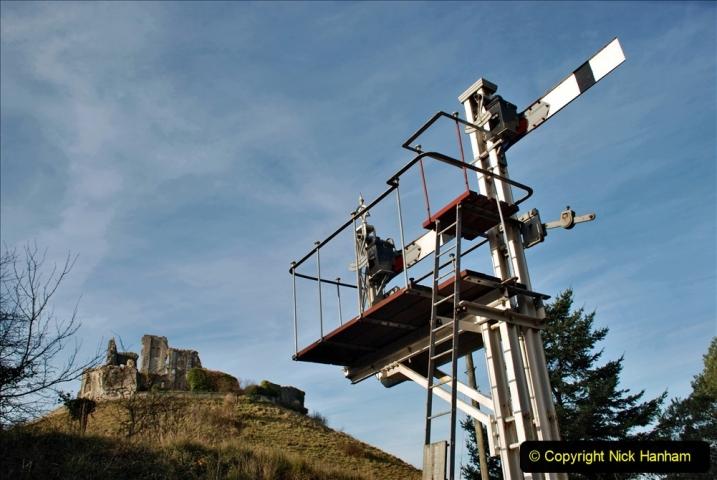 2019-11-28 The SR no running day Swanage to Wareham. (169) Harmans Cross. Corfe Castle. 170