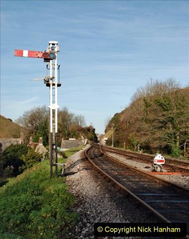 2019-11-28 The SR no running day Swanage to Wareham. (173) Harmans Cross. Corfe Castle. 174