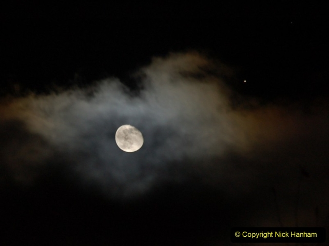 Astronomy Pictures. (206) 206