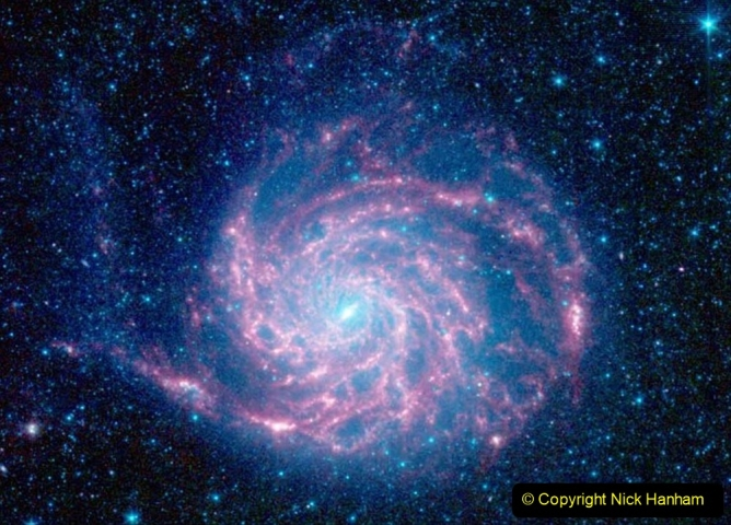 Astronomy Pictures. (89) 089