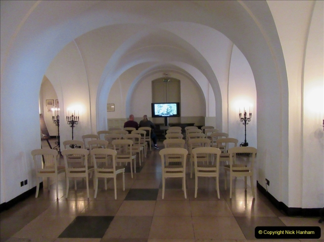 2019-05-12 Touring Central London Day 1. (16) The Banqueting Houise in Whitehall. 016