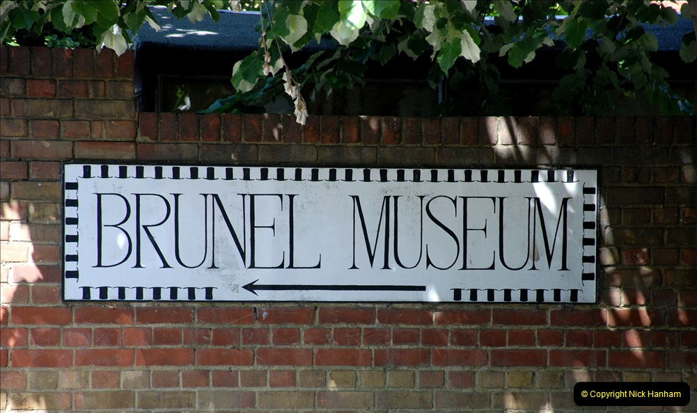 2019-05-13 Touring Central London. (120) Various sites of Brunells London. 120