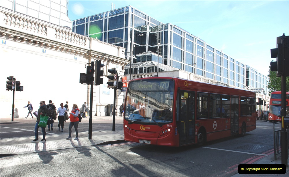 2019-05-13 Touring Central London. (258) Victoria. 258