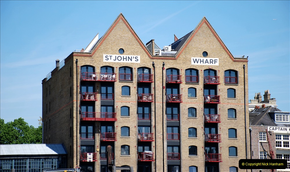 2019-05-13 Touring Central London. (53) Various sites of Brunells London. 053