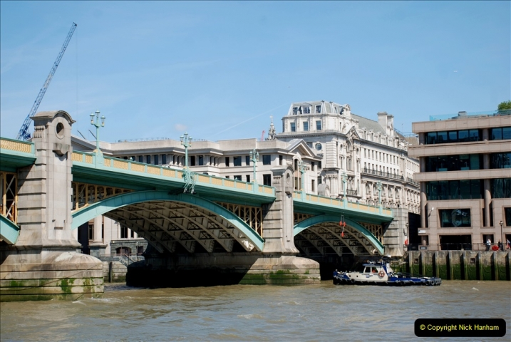 2019-05-13 Touring Central London. (30) Various sites of Brunells London. 030