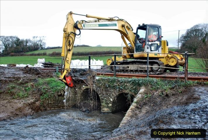 2020-01-07 Track renewal Cowpat Crossing to Just beyond Dickers Crossing. (51) 051