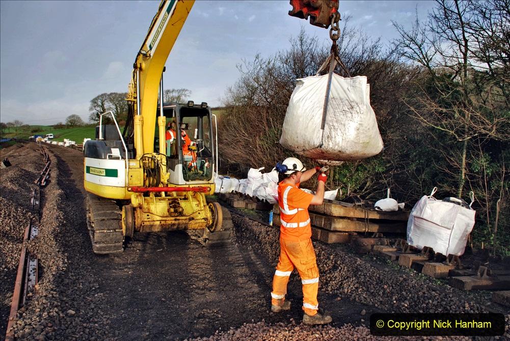 2020-01-08 Track renewal Cowpat Crossing to just beyond Dickers Crossing. (44) 044