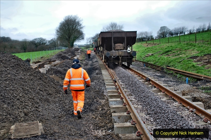 2020-01-24 Track renewall Cowpat Crossing to just past Dickers Crossing. (42) Ballast work. 042