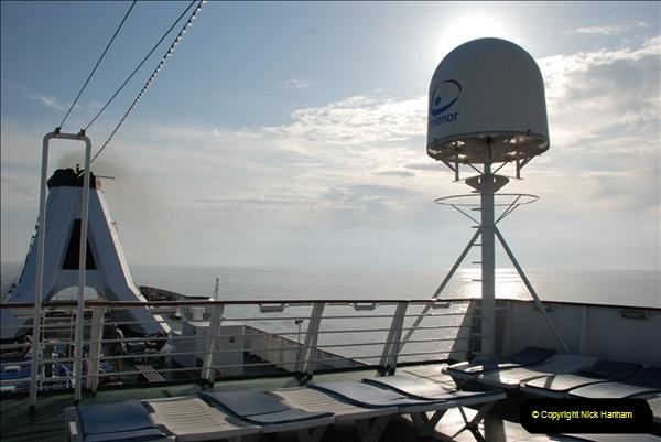 2008-05-05 At sea.  (6)169