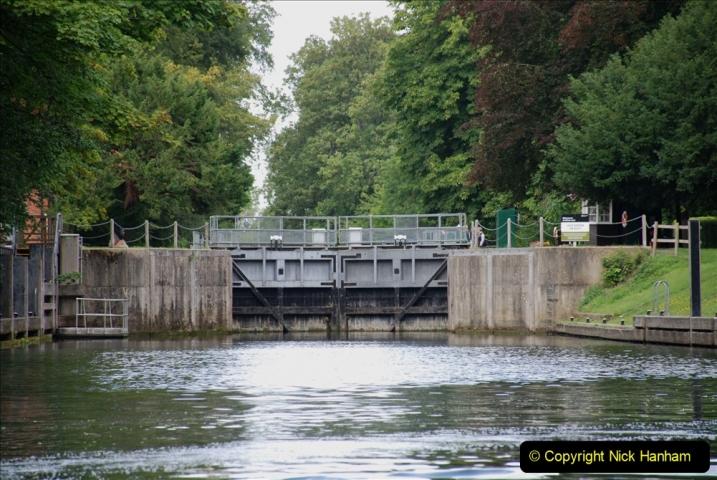 2019-08-20 Cliveden (NT) Taplow, Maidenhead, Berkshire. (84) River Thames boat trip. Cookham Lock. 084