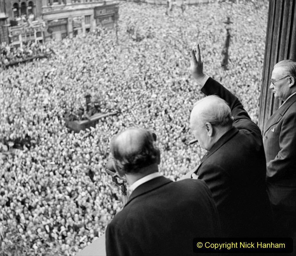 1945 Street Parties. (7) 007