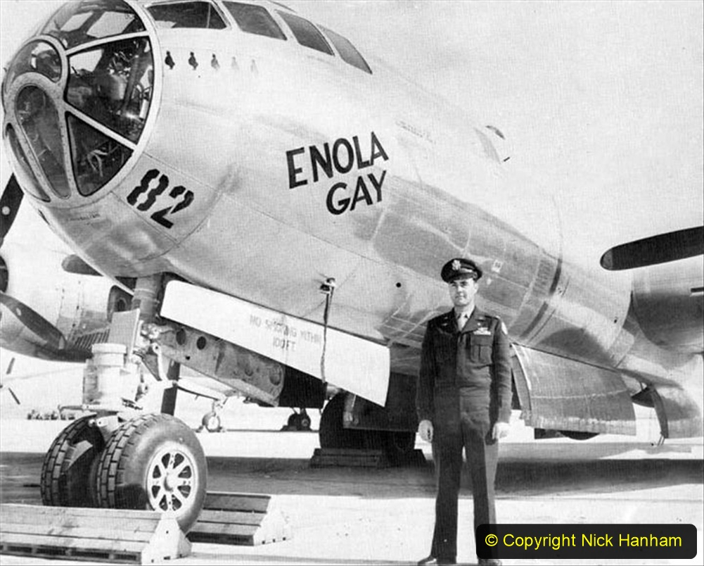 WW2 USA The Enola Gay Atomic Bomb on Japan. Colonel Paul Tibbets. (1) 134