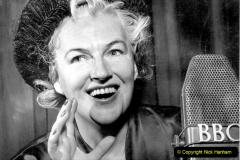 WW2 Stars Gracie Fields. (8) 123