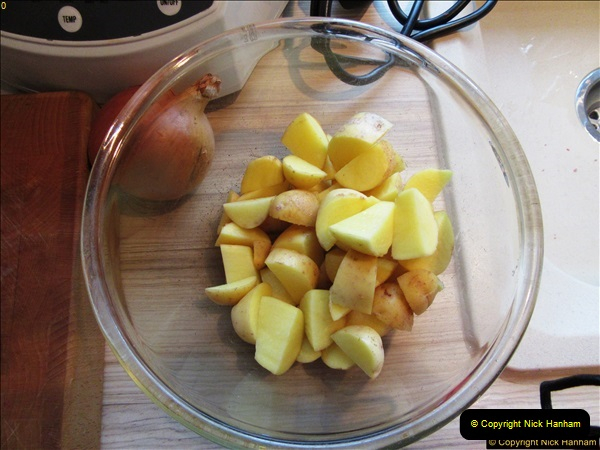 2017-02-17 Making a casserole and ice cream by your Host.  (12)010