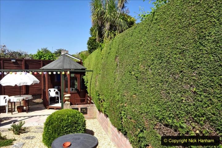 2020-05-09 Your Host's Back & Front Garden. (4) 004