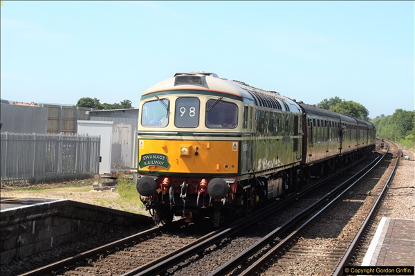 2017-06-13 First SR train into Wareham.  (2)43
